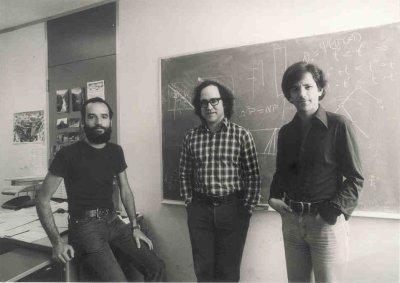 cha đẻ thuật toán điện tử trade24h Quantum Computing
