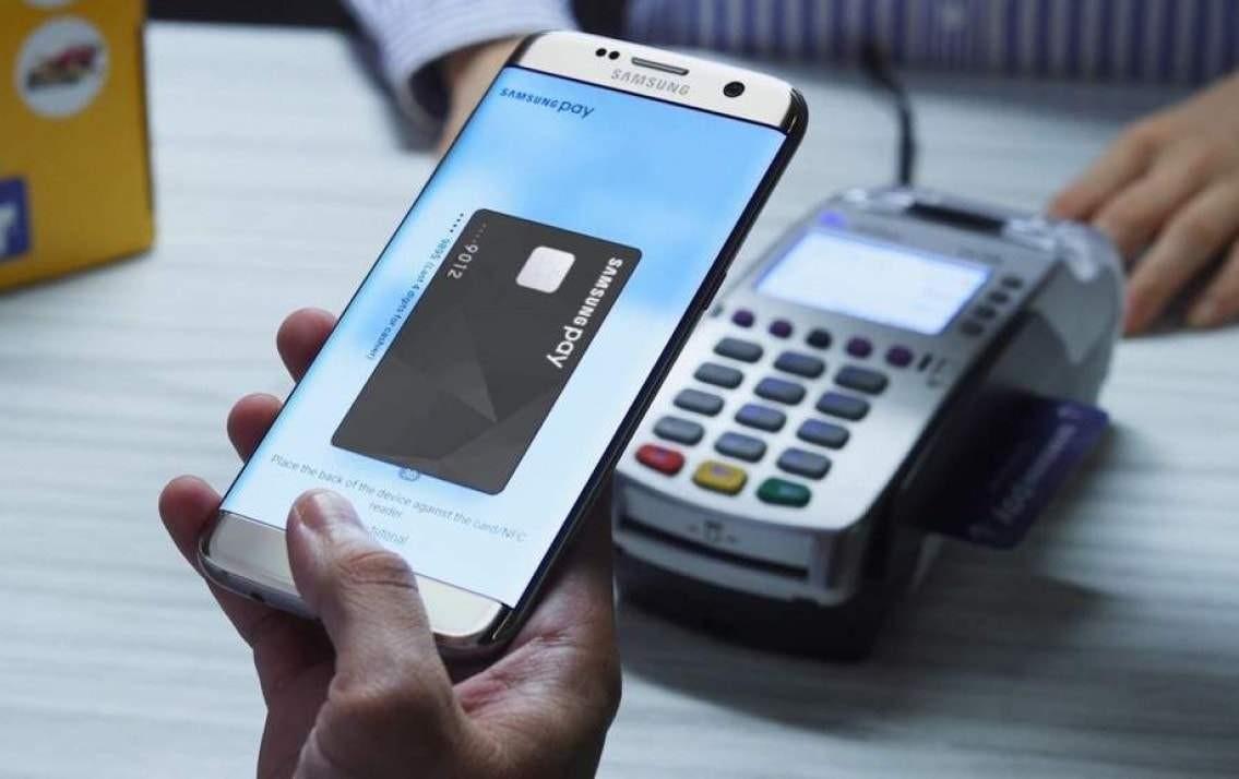 Thêm thẻ ngân hàng vào ứng dụng