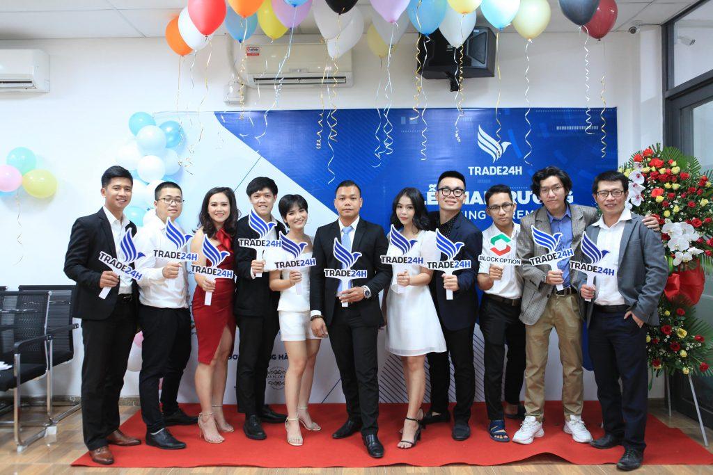 le-khai-truong-trade24h